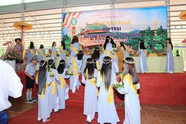 Lễ Khai Mạc Trại Hội Thảo Huynh Trưởng  2015. tại Chùa Vạn Phật Quang – Đại Tòng Lâm – Tỉnh Bà Rịa Vũng Tàu.